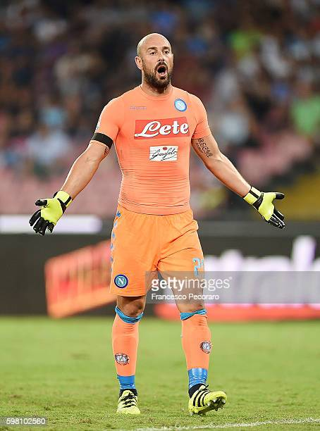 Jose Manuel Reina of Napoli in action before the Serie A match between SSC Napoli and AC Milan at Stadio San Paolo on August 27 2016 in Naples Italy