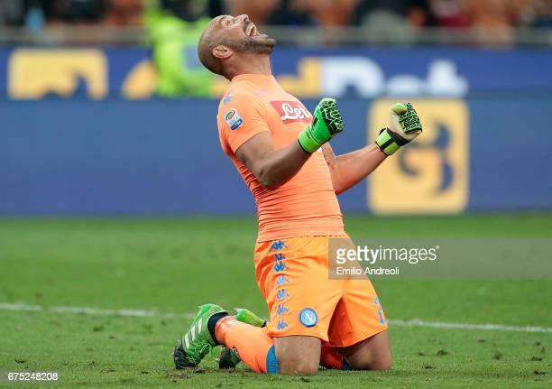 Jose Manuel Reina of SSC Napoli celebrates the victory at the end of the Serie A match between FC Internazionale and SSC Napoli at Stadio Giuseppe...
