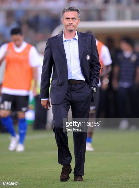 Jose Mourinho coach of Inter in action during the Serie A match between Sampdoria and Inter at the Stadio Marassi on August 30 2008 in Genoa Italy