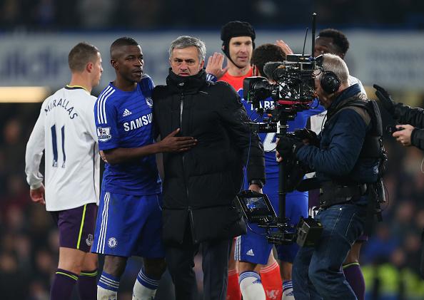 Soccer - Barclays Premier League - Chelsea v Everton : News Photo
