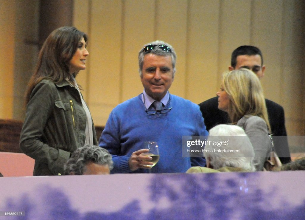 <a gi-track='captionPersonalityLinkClicked' href=/galleries/search?phrase=Jose+Ortega+Cano&family=editorial&specificpeople=598511 ng-click='$event.stopPropagation()'>Jose Ortega Cano</a> attends 'SICAB 2012' exhibition on November 22, 2012 in Seville, Spain.
