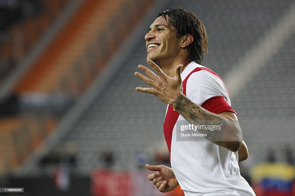 Jose Paolo Guerrero from Peru celebrates scored goal during the Copa America 2011 third place match between Venezuela and Peru at Ciudad de La Plata Stadium on July 23, 2011 in La PLata, Argentina.