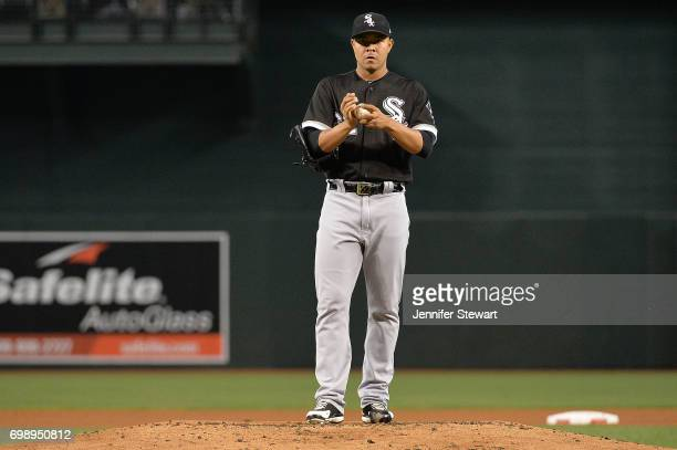 Jose Quintana of the Chicago White Sox prepares on the mound against the Arizona Diamondbacks at Chase Field on May 24 2017 in Phoenix Arizona The...