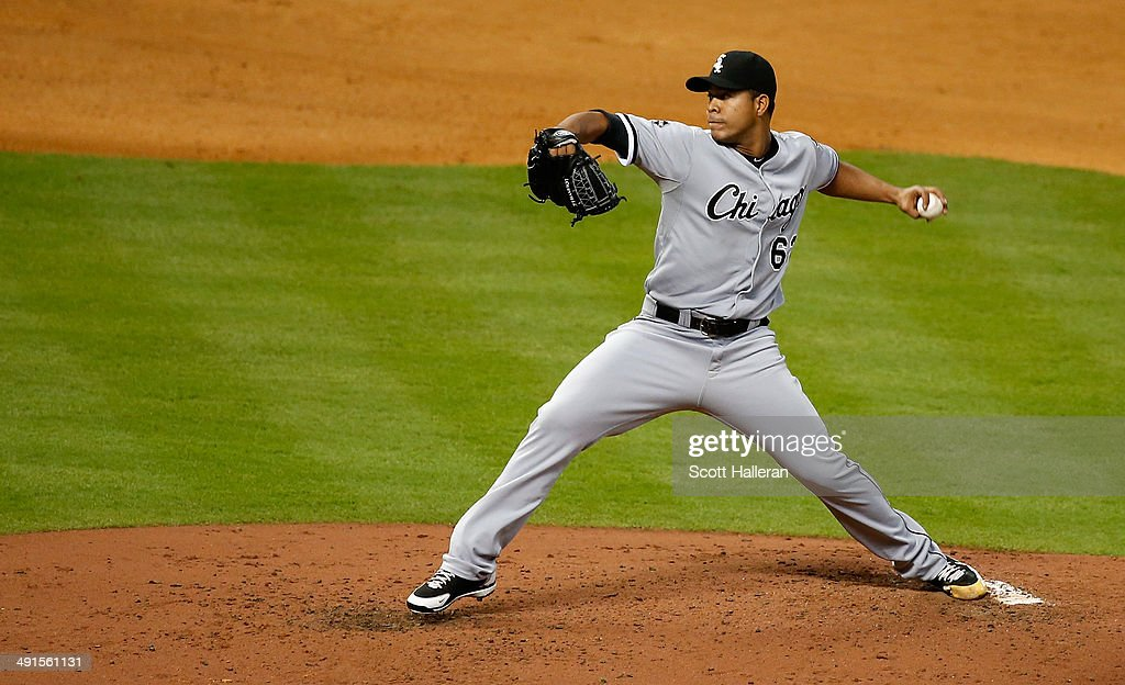 Jose Quintana #62 of the Chicago White Sox throws a pitch in the fourth inning of their game against the Houston Astros at Minute Maid Park on May 16, 2014 in Houston, Texas.