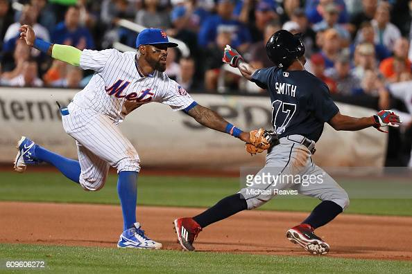 Jose Reyes of the New York Mets tags out Mallex Smith of the Atlanta Braves in the middle of a rundown at Citi Field on September 21 2016 in the...