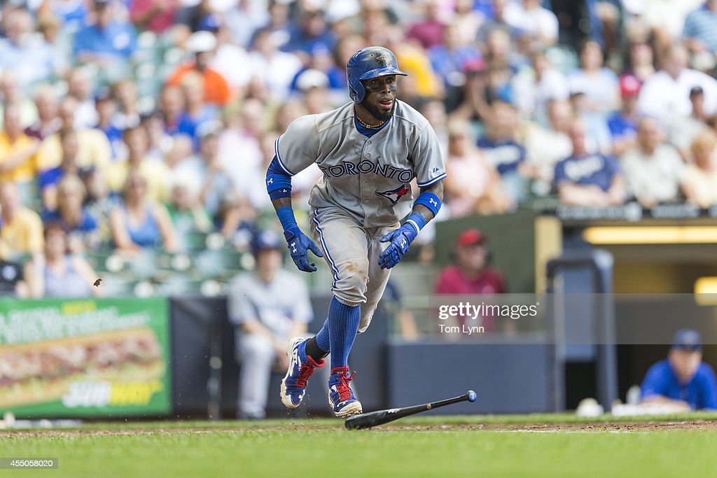 Jose Reyes #7 of the Toronto Blue Jays runs to first against the Milwaukee Brewers at Miller Park on August 20, 2014 in Milwaukee, Wisconsin.