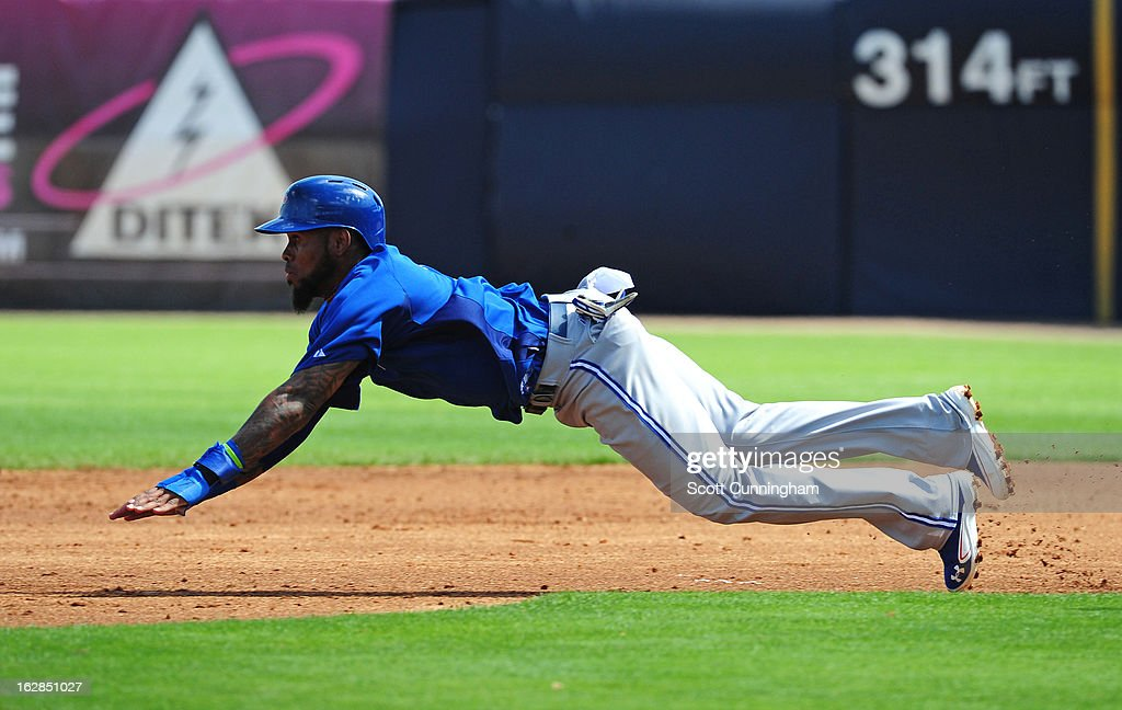 Jose Reyes #7 of the Toronto Blue Jays steals second base during the spring training game against the New York Yankees at George M. Steinbrenner Field on February 28, 2013 in Tampa, Florida.