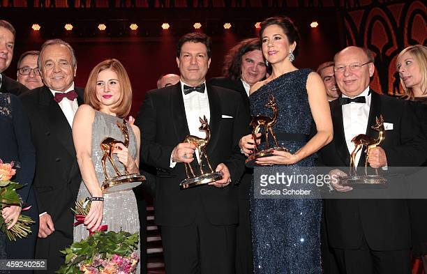Josefine Preuss Francis Fulton Smith Crown Princess Mary of Denmark HansJoachim Heist Nora Weisbrod during the Bambi Awards 2014 show on November 13...