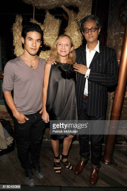 Joseph Alcazara Nicoletta Santoro and Max Vadukal attend NEW YORK TIMES T MAGAZINE Welcomes New Editor at The Spotted Pig on September 16 2010 in New...
