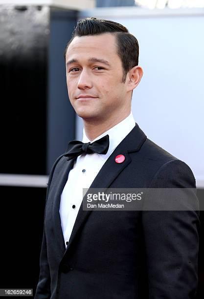 Joseph GordonLevitt arrives at the 85th Annual Academy Awards at Hollywood Highland Center on February 24 2013 in Hollywood California