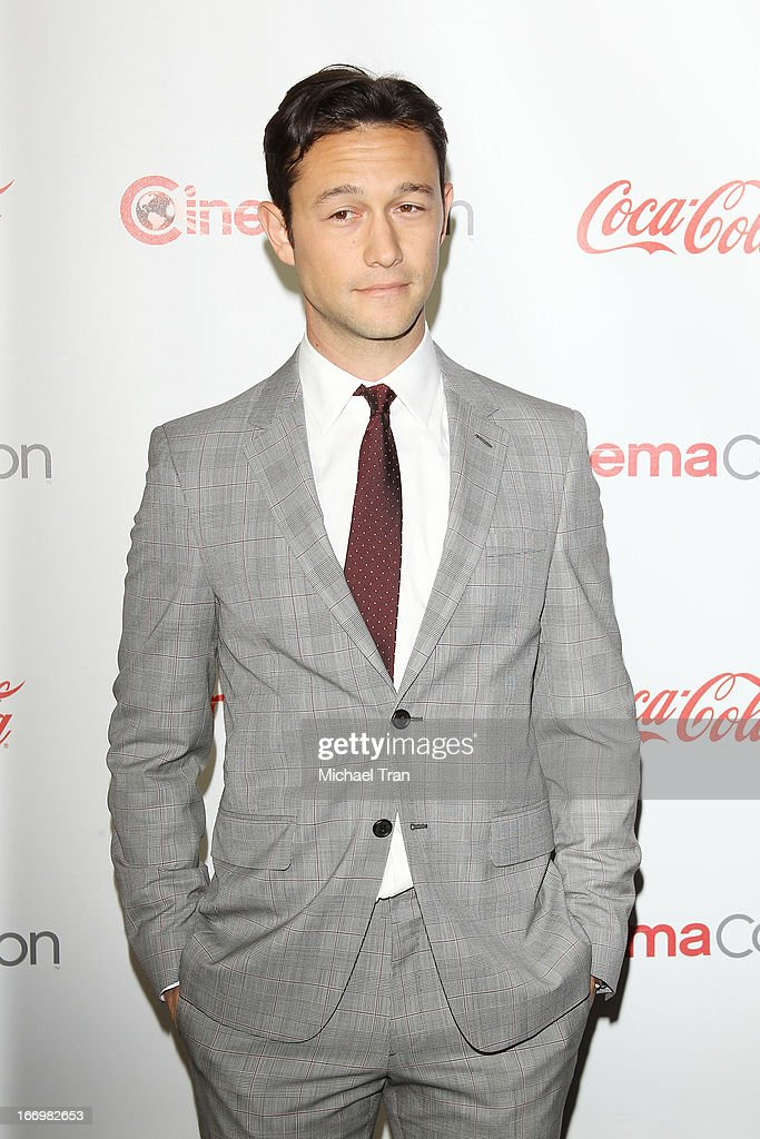 <a gi-track='captionPersonalityLinkClicked' href=/galleries/search?phrase=Joseph+Gordon-Levitt&family=editorial&specificpeople=213632 ng-click='$event.stopPropagation()'>Joseph Gordon-Levitt</a> arrives at the CinemaCon 2013 Big Screen Achievement Awards held at Caesars Palace during CinemaCon, the official convention of the National Association of Theatre Owners on April 18, 2013 in Las Vegas, Nevada.
