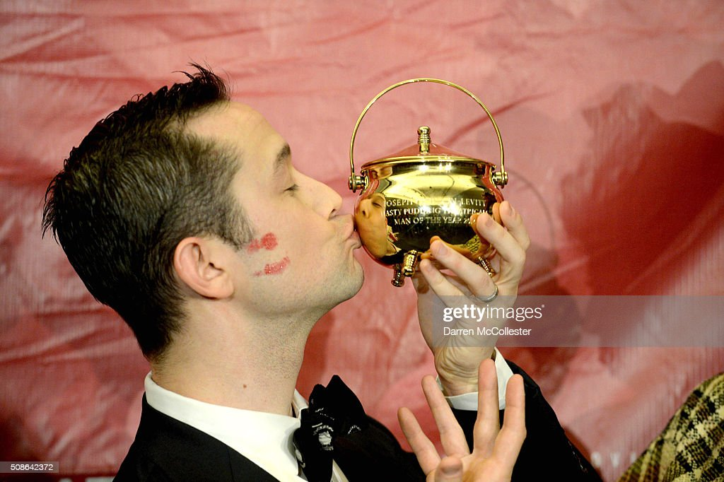 Joseph Gordon-Levitt attends a press conference after being honored with Hasty Pudding Man of the Year award February 5, 2016 in Cambridge, Massachusetts. .