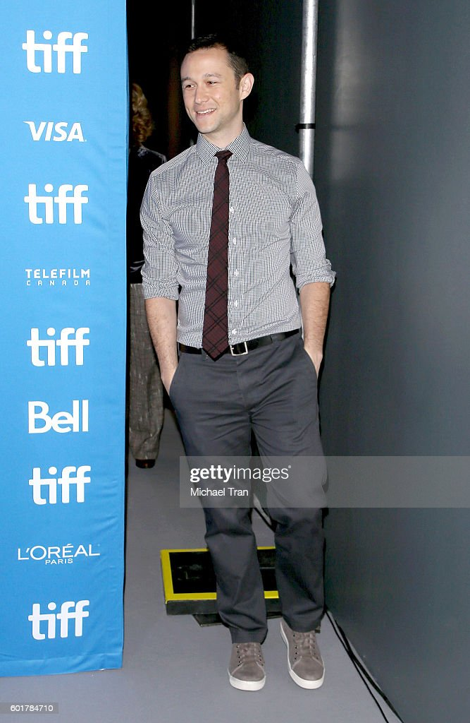 joseph-gordonlevitt-attends-the-2016-toronto-international-film-picture-id601784710