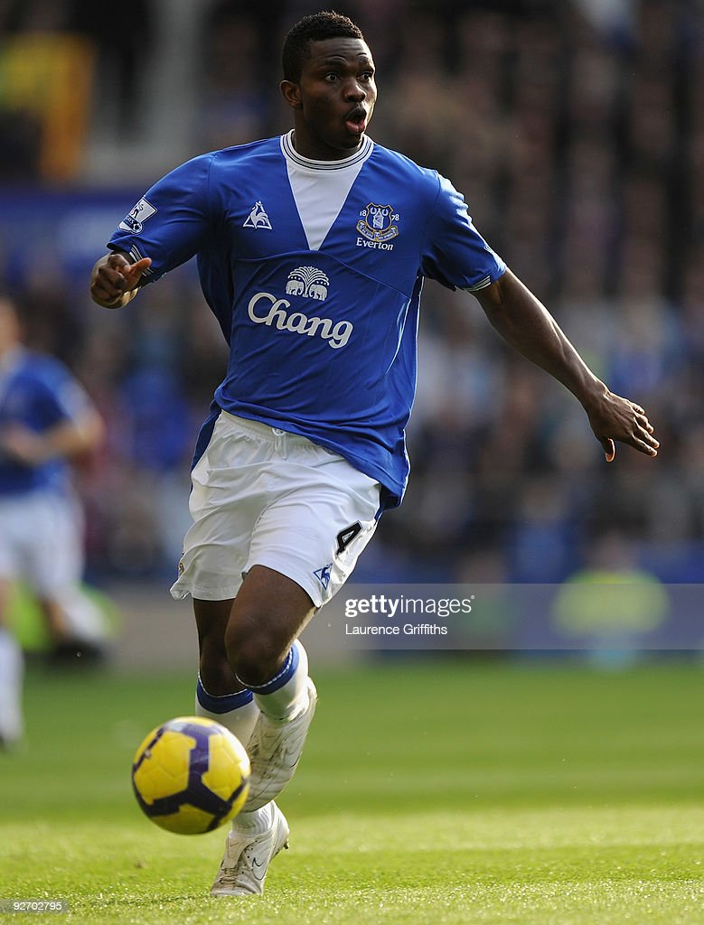 <a gi-track='captionPersonalityLinkClicked' href=/galleries/search?phrase=Joseph+Yobo&family=editorial&specificpeople=220395 ng-click='$event.stopPropagation()'>Joseph Yobo</a> of Everton in actionn during the Barclays Premier League match between Everton and Aston Villa at Goodison Park on October 31, 2009 in Liverpool, England.