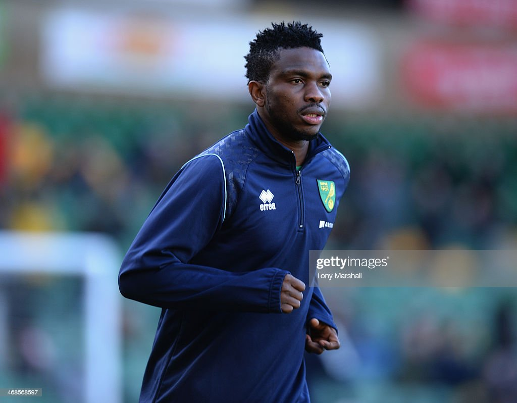 <a gi-track='captionPersonalityLinkClicked' href=/galleries/search?phrase=Joseph+Yobo&family=editorial&specificpeople=220395 ng-click='$event.stopPropagation()'>Joseph Yobo</a> of Norwich City warming up before the Barclays Premier League match between Norwich City and Manchester City at Carrow Road on February 8, 2014 in Norwich, England.