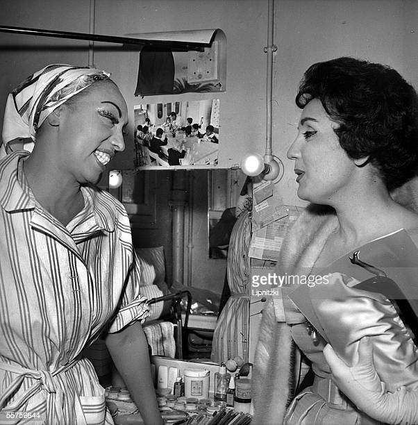 Josephine Baker and Laced coffee Lasso at the close of a show of the magazine ' Paris my courtship ' Paris Olympia in June 1959 LIP113009106