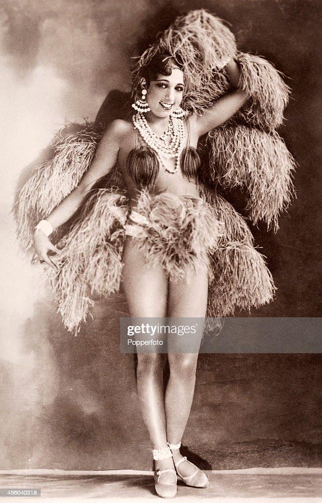Josephine baker dancer singer and actress at the folies for Josephine baker paris
