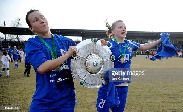 Josephine Henning und Tabea Kemme celebrate with the trophy after winning the Women Bundesliga match between Turbine Potsdam and EssenSchoenebeck at...