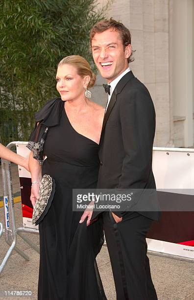 Josephine Miller and Jude Law during 'Madama Butterfly' Opening Night Starting the Lincoln Center Metropolitan Opera 20062007 Season at Lincoln...