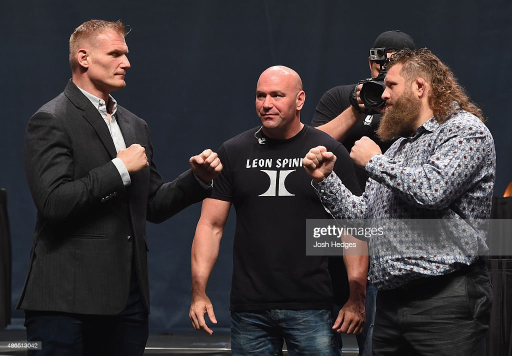 <a gi-track='captionPersonalityLinkClicked' href=/galleries/search?phrase=Josh+Barnett&family=editorial&specificpeople=4620814 ng-click='$event.stopPropagation()'>Josh Barnett</a> and <a gi-track='captionPersonalityLinkClicked' href=/galleries/search?phrase=Roy+Nelson&family=editorial&specificpeople=4230645 ng-click='$event.stopPropagation()'>Roy Nelson</a> face off during the UFC's Go Big launch event inside MGM Grand Garden Arena on September 4, 2015 in Las Vegas, Nevada.