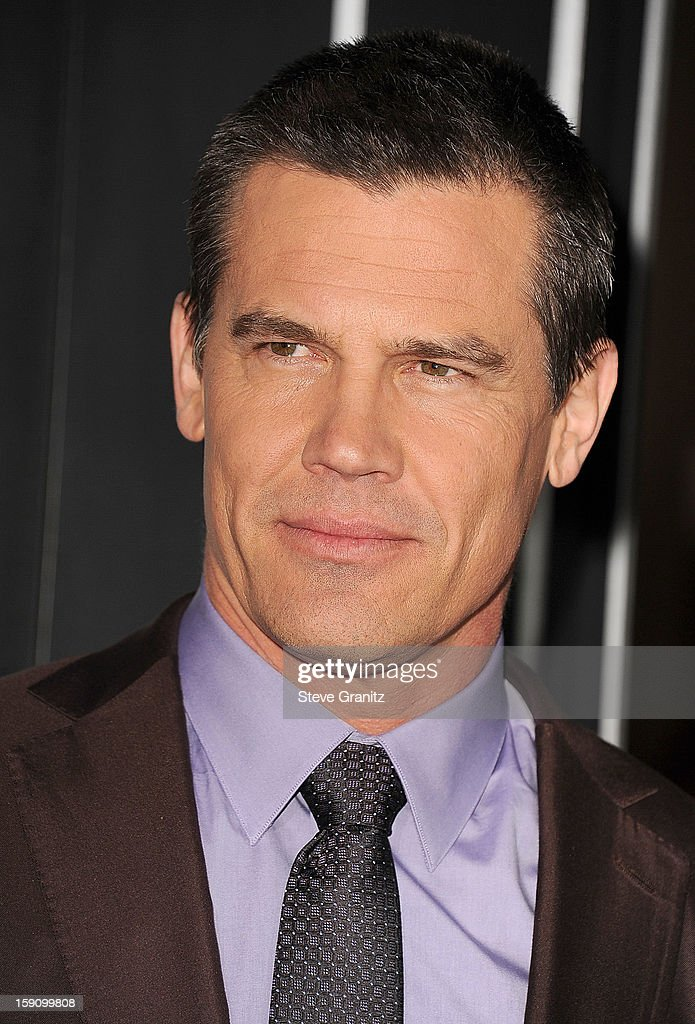 Josh Brolin arrives at the 'Gangster Squad' - Los Angeles Premiere at Grauman's Chinese Theatre on January 7, 2013 in Hollywood, California.