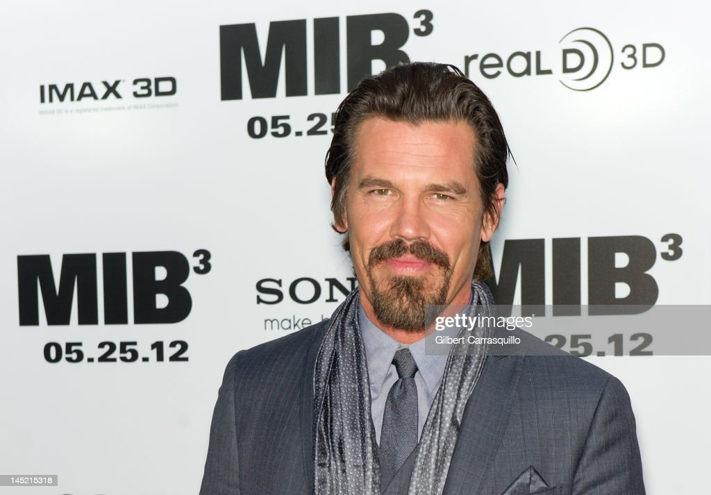 <a gi-track='captionPersonalityLinkClicked' href=/galleries/search?phrase=Josh+Brolin&family=editorial&specificpeople=243198 ng-click='$event.stopPropagation()'>Josh Brolin</a> attends the 'Men In Black 3' New York premiere at the Ziegfeld Theatre on May 23, 2012 in New York City.