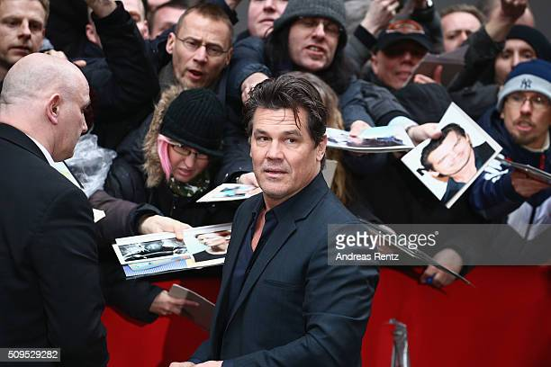 Josh Brolin is seen with fans at the 'Hail Caesar' photo call during the 66th Berlinale International Film Festival Berlin at Grand Hyatt Hotel on...