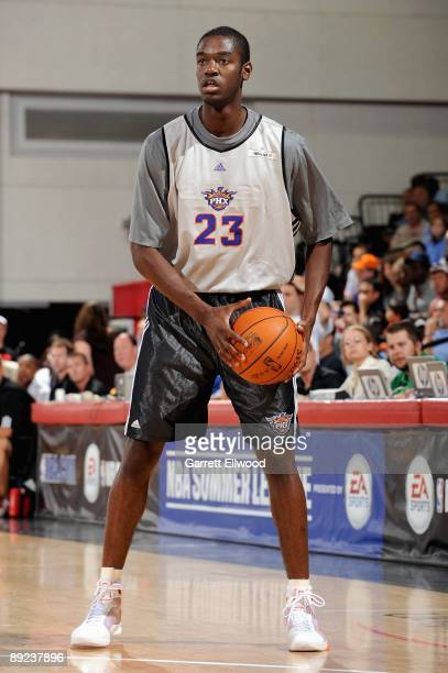 Josh Carter of the Phoenix Suns surveys the court against the Toronto Raptors during NBA Summer League presented by EA Sports on July 15 2009 at Cox...