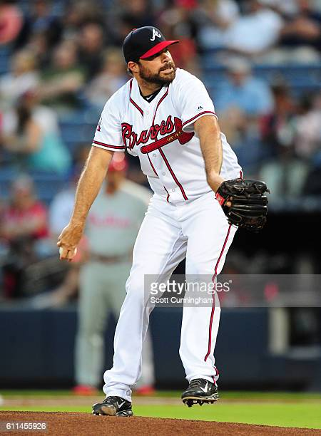 Josh Collmenter of the Atlanta Braves throws a first inning pitch against the Philadelphia Phillies at Turner Field on September 29 2016 in Atlanta...