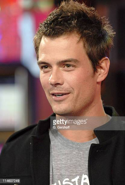 Josh Duhamel during Ashanti Paula Deanda and Josh Duhamel Visit MTV's 'TRL' November 28 2006 at MTV Studios in New York New York United States