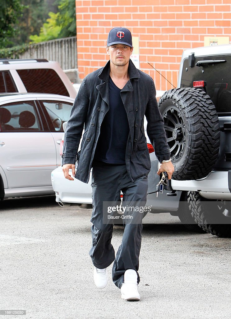 <a gi-track='captionPersonalityLinkClicked' href=/galleries/search?phrase=Josh+Duhamel&family=editorial&specificpeople=208740 ng-click='$event.stopPropagation()'>Josh Duhamel</a> is seen on November 15, 2013 in Los Angeles, California.