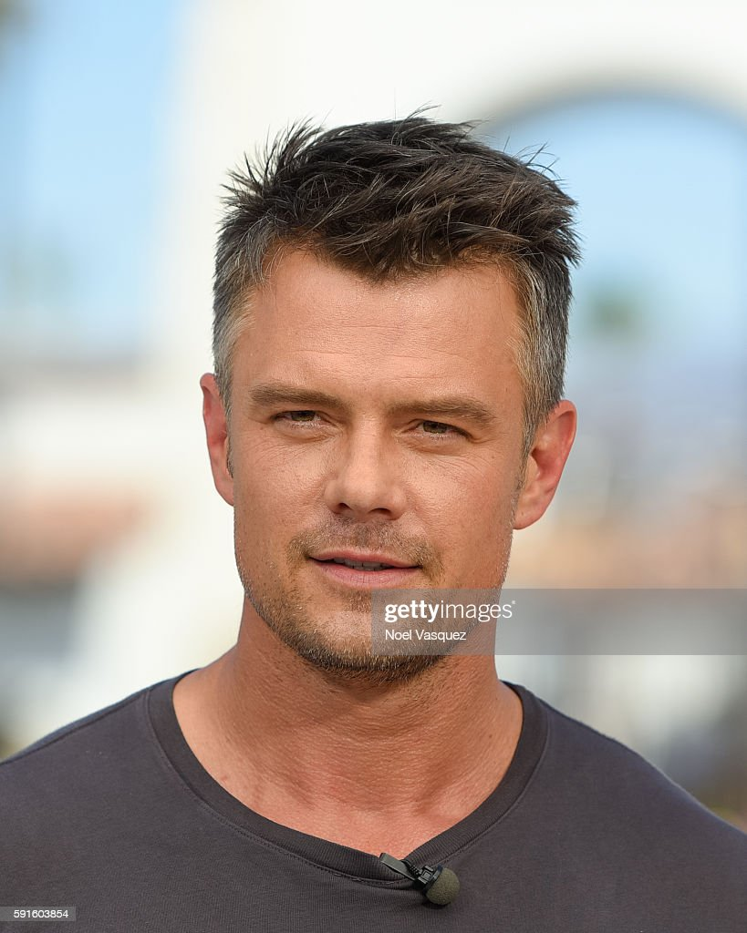 Josh Duhamel visits 'Extra' at Universal Studios Hollywood on August 17 2016 in Universal City California
