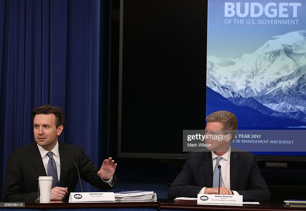 Josh Earnest (L), White House Press Secretary speaks while flanked by Shaun Donovan, OMB Budget Director, during a briefing on President Obama's FY 2017 budget request, at the White House, February 8, 2016 in Washington, DC.