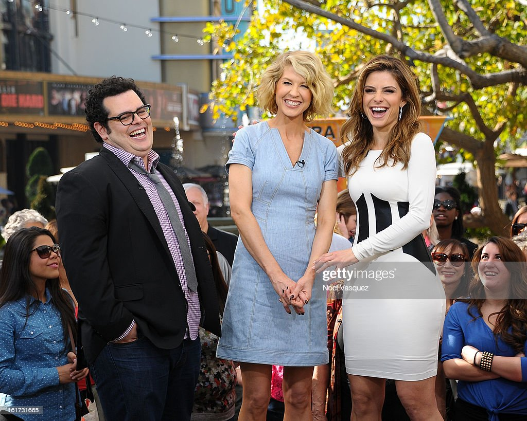 <a gi-track='captionPersonalityLinkClicked' href=/galleries/search?phrase=Josh+Gad&family=editorial&specificpeople=4196023 ng-click='$event.stopPropagation()'>Josh Gad</a>, <a gi-track='captionPersonalityLinkClicked' href=/galleries/search?phrase=Jenna+Elfman&family=editorial&specificpeople=204782 ng-click='$event.stopPropagation()'>Jenna Elfman</a> and <a gi-track='captionPersonalityLinkClicked' href=/galleries/search?phrase=Maria+Menounos&family=editorial&specificpeople=203337 ng-click='$event.stopPropagation()'>Maria Menounos</a> visit Extra at The Grove on February 14, 2013 in Los Angeles, California.