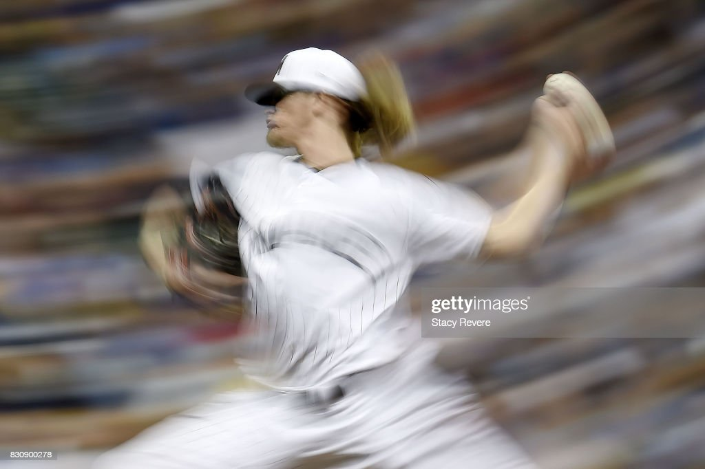 Josh Hader #71 of the Milwaukee Brewers throws a pitch during the eighth inning against the Cincinnati Reds at Miller Park on August 12, 2017 in Milwaukee, Wisconsin.