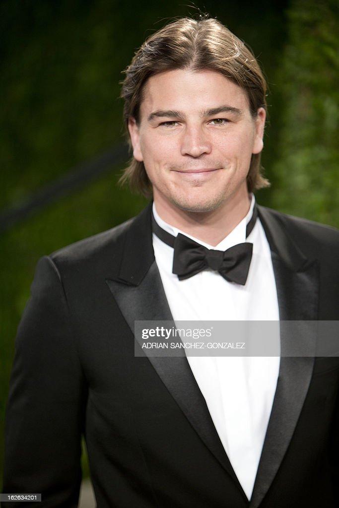 Josh Hartnett arrives for the 2013 Vanity Fair Oscar Party on February 24, 2013 in Hollywood, California.