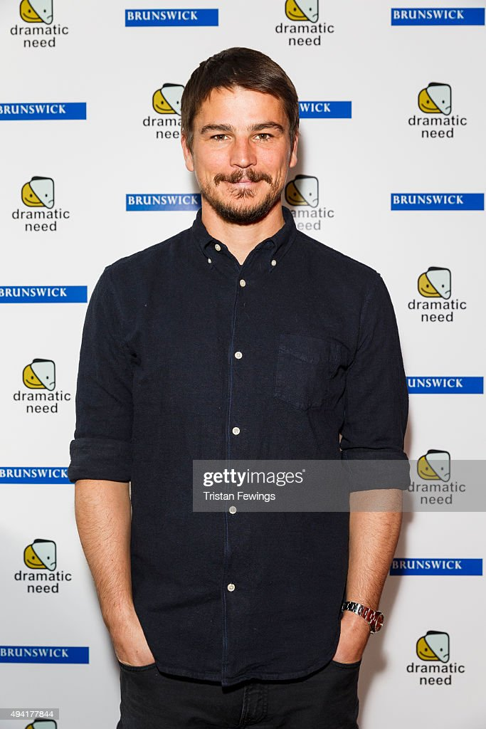 <a gi-track='captionPersonalityLinkClicked' href=/galleries/search?phrase=Josh+Hartnett&family=editorial&specificpeople=206503 ng-click='$event.stopPropagation()'>Josh Hartnett</a> attends 'The Children's Monologues', Danny Boyle's production inspired by children from rural South Africa in aid of his charity 'Dramatic Need' at Royal Court Theatre on October 25, 2015 in London, England.