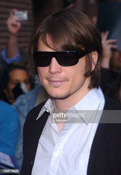Josh Hartnett during Josh Hartnett and Chris Elliott Visit 'The Late Show with David Letterman' March 29 2006 at Ed Sullivan Theater in New York City...