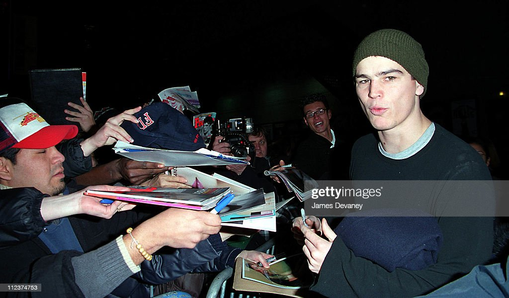 <a gi-track='captionPersonalityLinkClicked' href=/galleries/search?phrase=Josh+Hartnett&family=editorial&specificpeople=206503 ng-click='$event.stopPropagation()'>Josh Hartnett</a> during <a gi-track='captionPersonalityLinkClicked' href=/galleries/search?phrase=Josh+Hartnett&family=editorial&specificpeople=206503 ng-click='$event.stopPropagation()'>Josh Hartnett</a> Arriving at the 'Late Show with David Letterman' - January 14, 2002 at The Ed Sullivan Theater in New York, NY, United States.