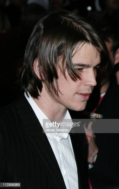 Josh Hartnett during 'Lucky Number Slevin' New York City Premiere Outside Arrivals at Ziegfeld Theater in New York City New York United States