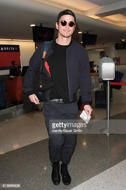 Josh Hartnett is seen at LAX on October 19 2016 in Los Angeles California