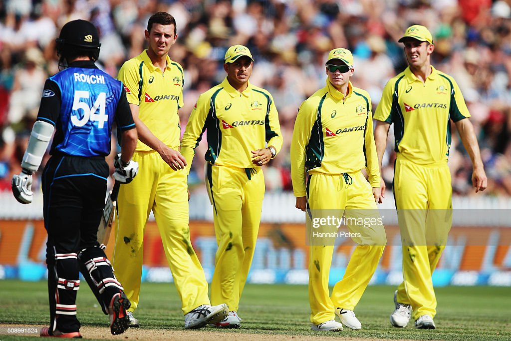 Josh Hazlewood, Steve Smith and Mitchell Marsh of Australia look on at Luke Ronchi of the Black Caps after referring a decision during the 3rd One Day International cricket match between the New Zealand Black Caps and Australia at Seddon Park on February 8, 2016 in Hamilton, New Zealand.