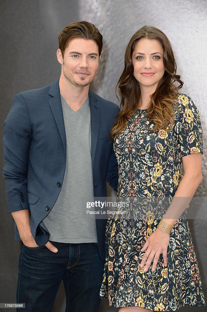 <a gi-track='captionPersonalityLinkClicked' href=/galleries/search?phrase=Josh+Henderson+-+Acteur&family=editorial&specificpeople=635918 ng-click='$event.stopPropagation()'>Josh Henderson</a> (L) and <a gi-track='captionPersonalityLinkClicked' href=/galleries/search?phrase=Julie+Gonzalo&family=editorial&specificpeople=2305946 ng-click='$event.stopPropagation()'>Julie Gonzalo</a> (R) poses at a photocall during the 53rd Monte Carlo TV Festival on June 12, 2013 in Monte-Carlo, Monaco.