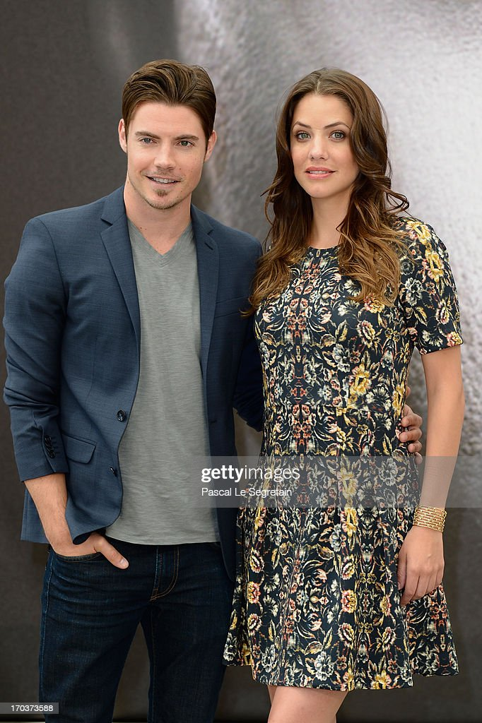 <a gi-track='captionPersonalityLinkClicked' href=/galleries/search?phrase=Josh+Henderson+-+Actor&family=editorial&specificpeople=635918 ng-click='$event.stopPropagation()'>Josh Henderson</a> (L) and <a gi-track='captionPersonalityLinkClicked' href=/galleries/search?phrase=Julie+Gonzalo&family=editorial&specificpeople=2305946 ng-click='$event.stopPropagation()'>Julie Gonzalo</a> (R) poses at a photocall during the 53rd Monte Carlo TV Festival on June 12, 2013 in Monte-Carlo, Monaco.