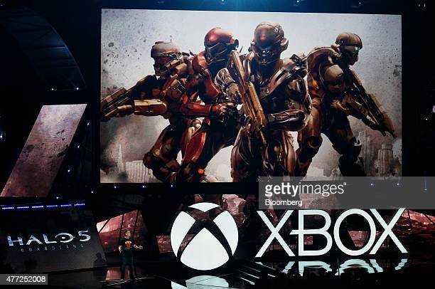 Josh Holmes executive producer at 343 Industries demonstrates the Halo 5 video game during a Microsoft Corp Xbox One event ahead of the E3 Electronic...