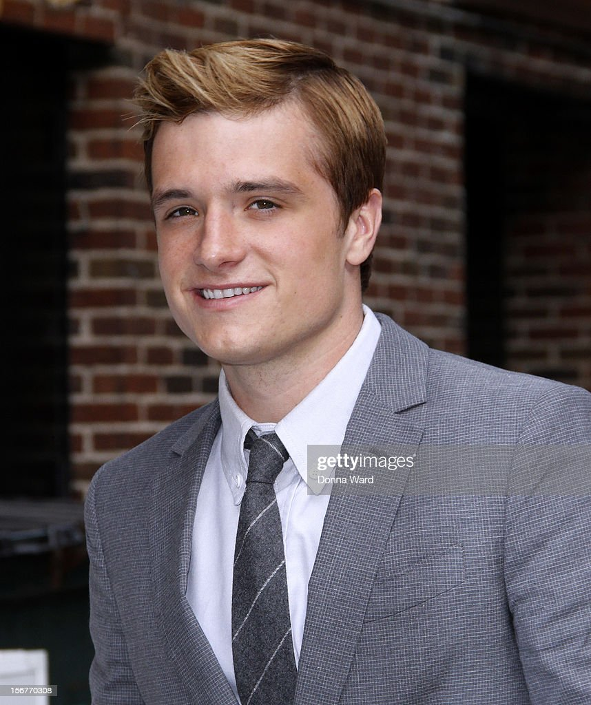 <a gi-track='captionPersonalityLinkClicked' href=/galleries/search?phrase=Josh+Hutcherson&family=editorial&specificpeople=673588 ng-click='$event.stopPropagation()'>Josh Hutcherson</a> arrives for 'The Late Show with David Letterman' at Ed Sullivan Theater on November 20, 2012 in New York City.