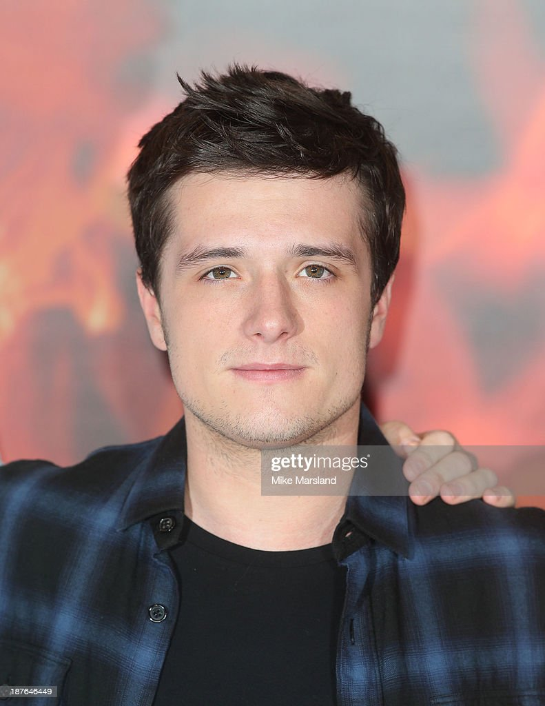 <a gi-track='captionPersonalityLinkClicked' href=/galleries/search?phrase=Josh+Hutcherson&family=editorial&specificpeople=673588 ng-click='$event.stopPropagation()'>Josh Hutcherson</a> attends a photocall for 'The Hunger Games: Catching Fire' on November 11, 2013 in London, England.