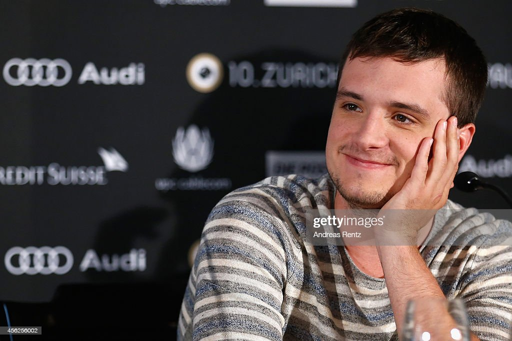 <a gi-track='captionPersonalityLinkClicked' href=/galleries/search?phrase=Josh+Hutcherson&family=editorial&specificpeople=673588 ng-click='$event.stopPropagation()'>Josh Hutcherson</a> attends the 'Escobar: Paradise Lost' Press Conference during Day 4 of Zurich Film Festival 2014 on September 28, 2014 in Zurich, Switzerland.