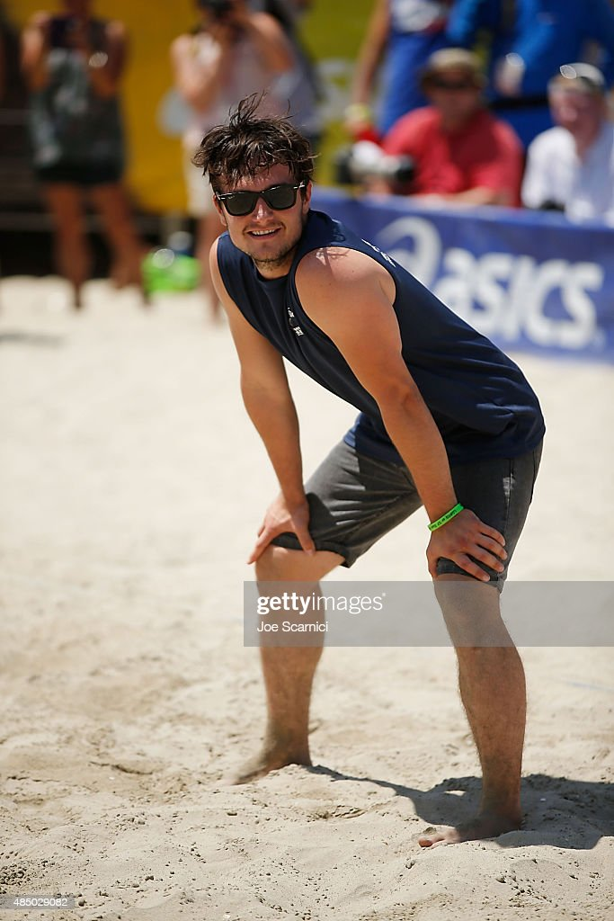 <a gi-track='captionPersonalityLinkClicked' href=/galleries/search?phrase=Josh+Hutcherson&family=editorial&specificpeople=673588 ng-click='$event.stopPropagation()'>Josh Hutcherson</a> plays in the ASICS World Series Of Volleyball - Celebrity Charity Match on August 23, 2015 in Long Beach, California.