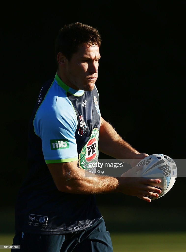 <a gi-track='captionPersonalityLinkClicked' href=/galleries/search?phrase=Josh+Jackson+-+Rugby+League+Player&family=editorial&specificpeople=241393 ng-click='$event.stopPropagation()'>Josh Jackson</a> of the Blues runs with the ball during a New South Wales Blues State of Origin training session on May 25, 2016 in Coffs Harbour, Australia.